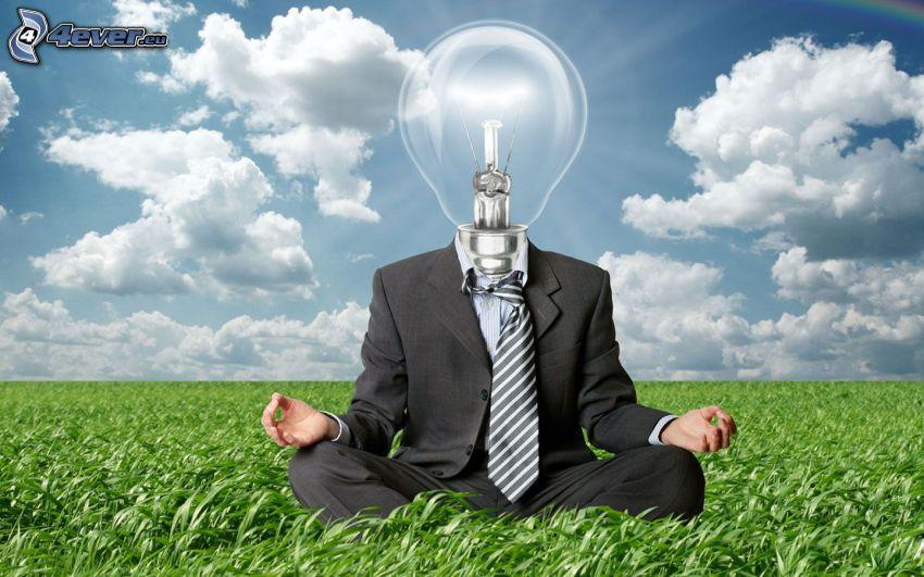 uomo, lampadina, luce, meditazione, giacca, cravatta, l'erba, nuvole, cielo