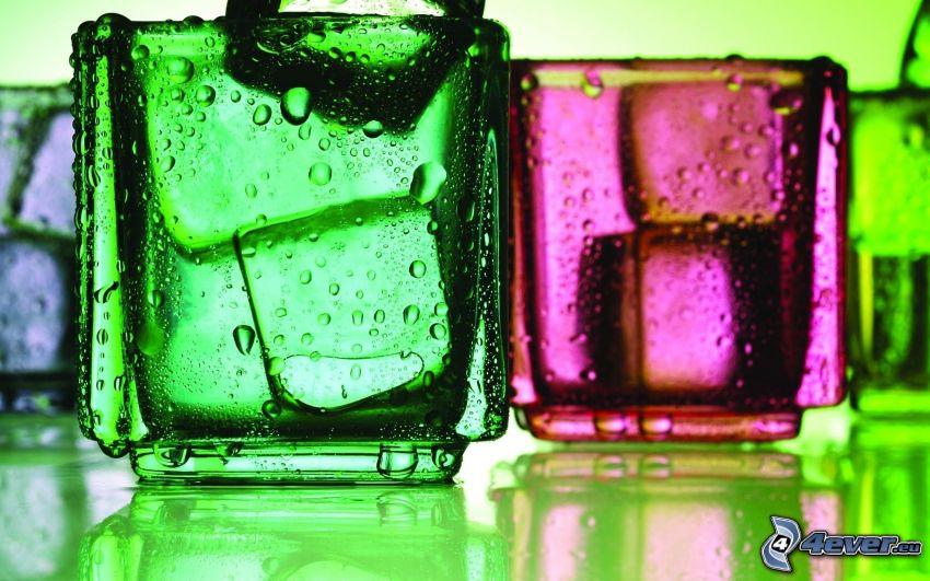 bicchieri, cubi di ghiaccio