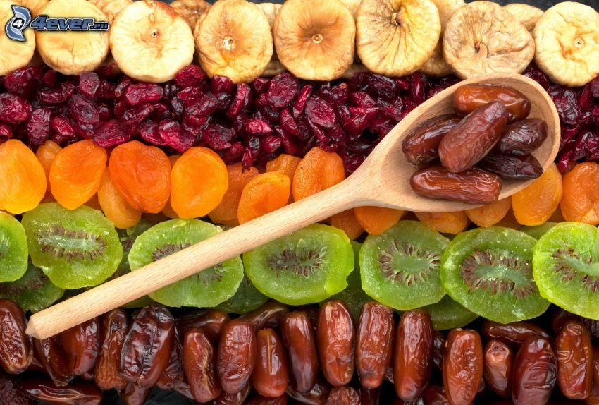 fichi secchi, datteri secchi, kiwi essiccato, albicocche secche