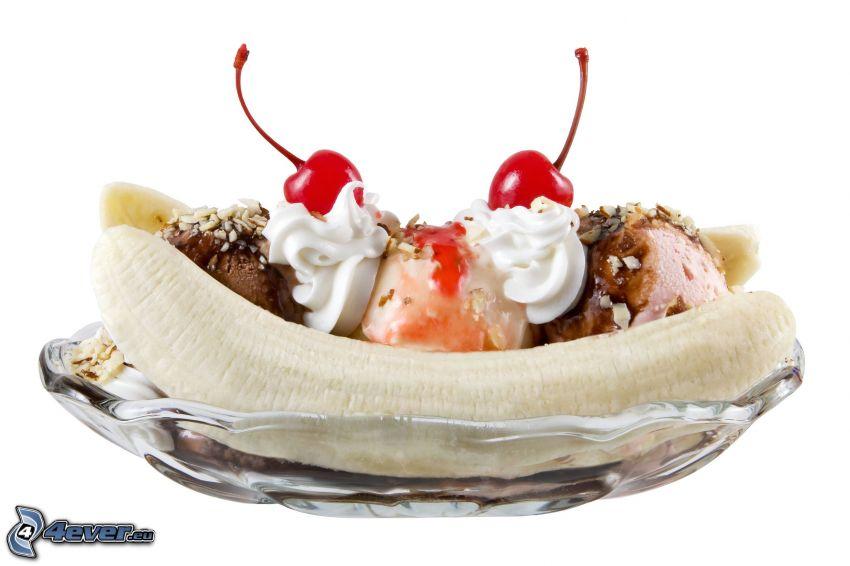 Gelato nel piatto con frutta