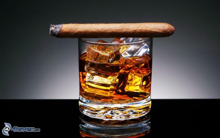 whisky con ghiaccio, sigaro