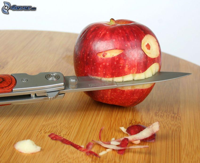 mela rossa, coltello, sorriso