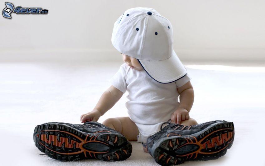 bambino, berretto, scarpe