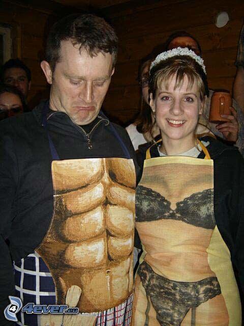 uomo e donna, grembiule da cucina
