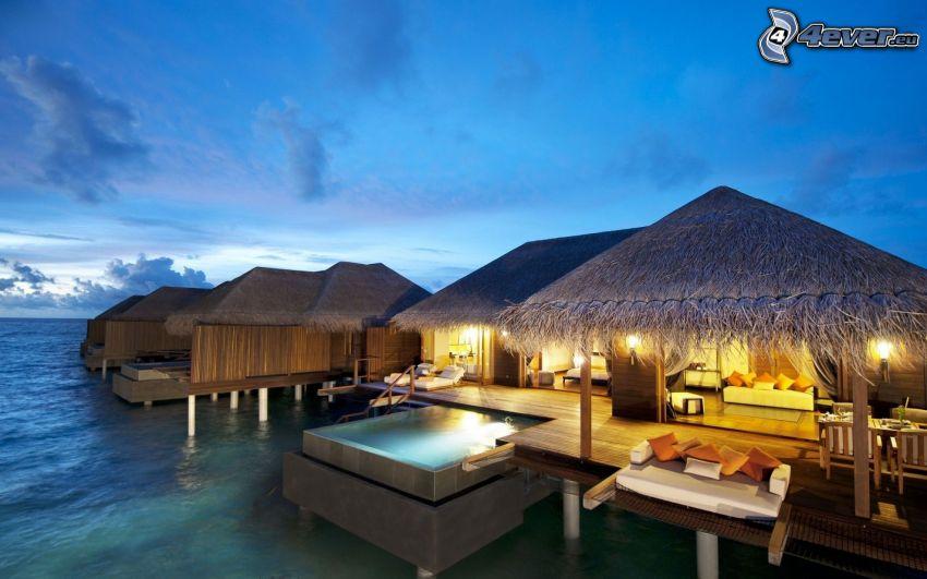 case sull'acqua, casa vacanza di fronte al mare