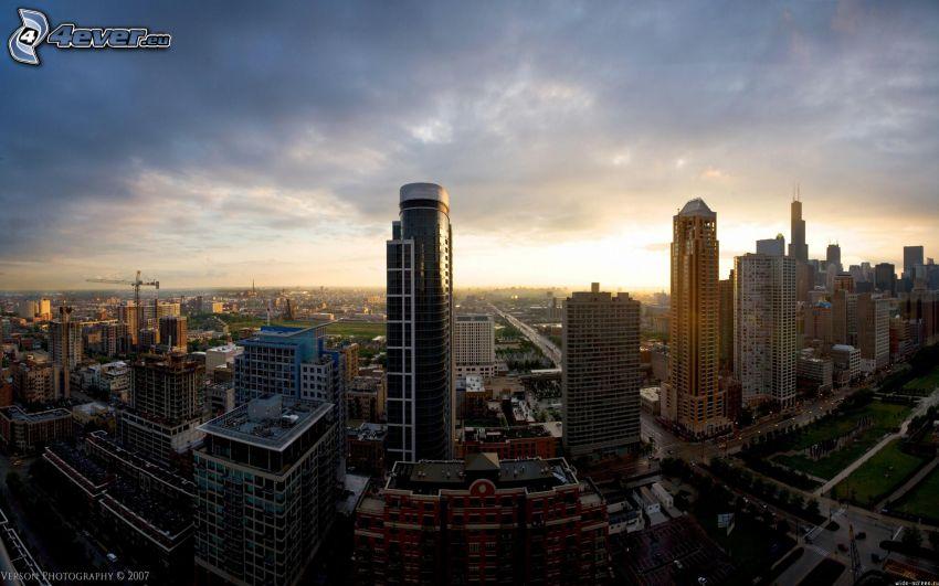 Chicago, USA, grattacieli, tramonto sopra una città