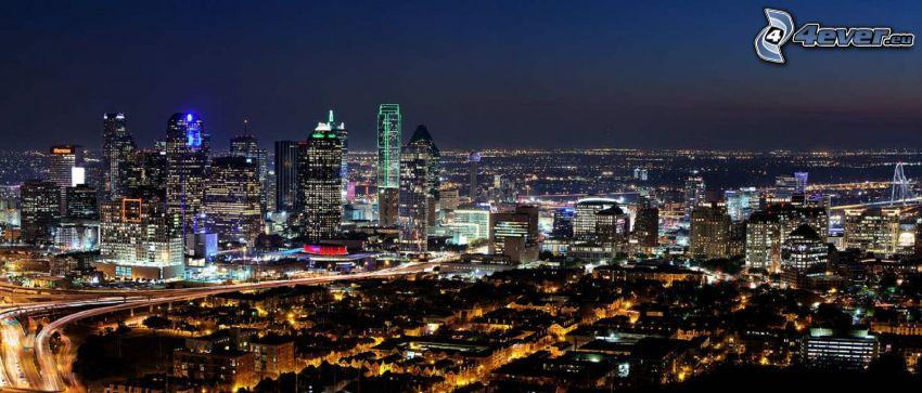 Dallas, città notturno, grattacieli