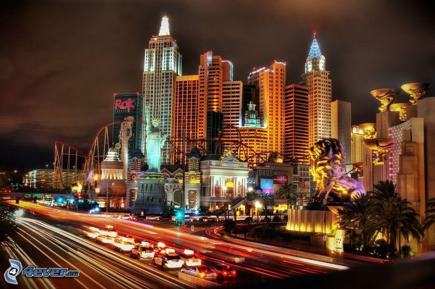 Las Vegas, città notturno, autostrada notturna, traffico, congestione stradale