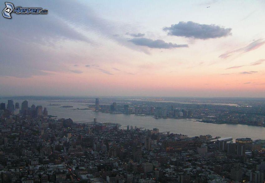 New York, dopo il tramonto, vista della città, USA