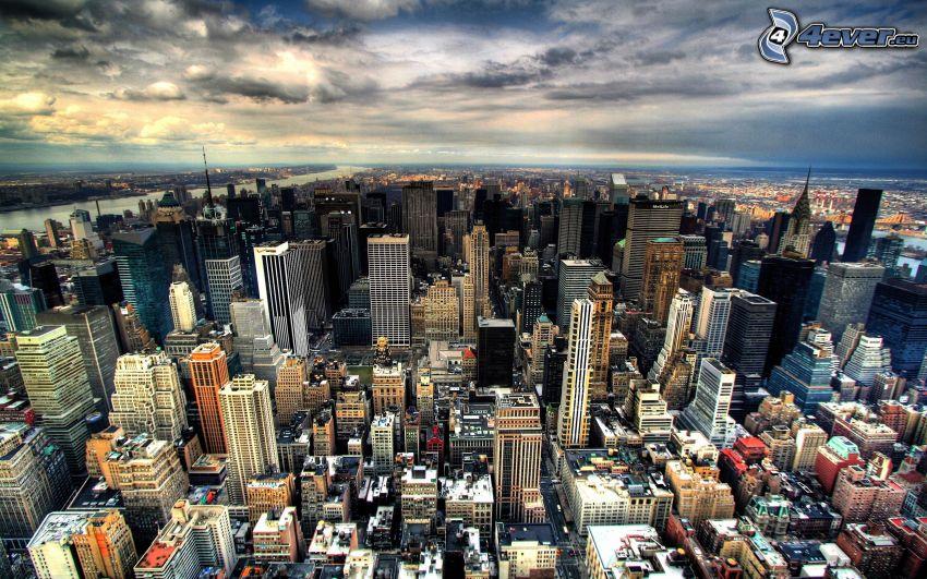 New York, grattacieli, cielo scuro