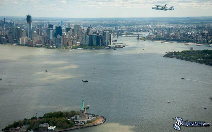 New York, Statua della Libertà, Manhattan, trasporto di space shuttle, aerei