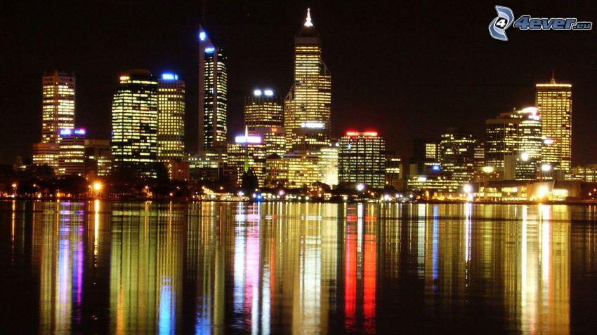 Perth, grattacieli, città di sera