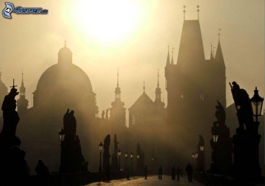 Ponte Carlo, Praga, Reppubblica Ceca, siluetta di cittá, sole debole