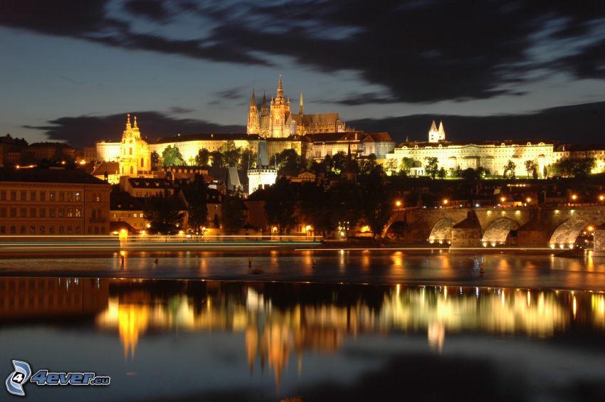 Praga, Castello di Praga, Ponte Carlo, Moldava, città notturno