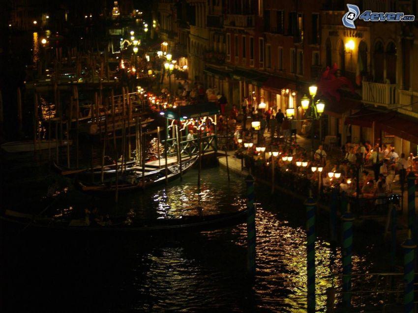 Venezia, città notturno
