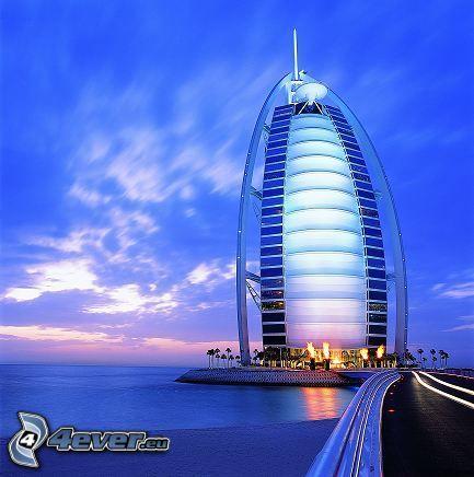 Burj Al Arab, mare, strada