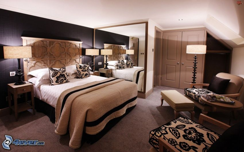 camera da letto, letto matrimoniale, sedie, specchio, lampade