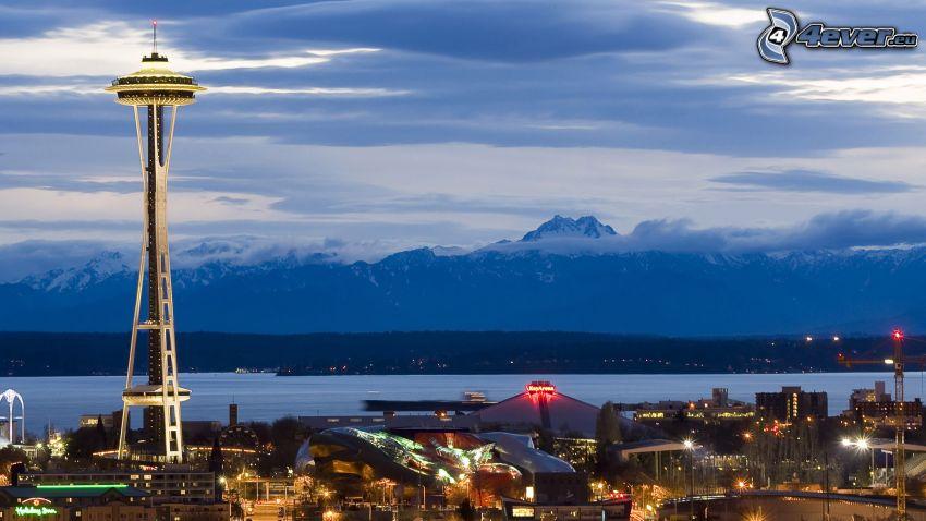Space Needle, Seattle, montagna