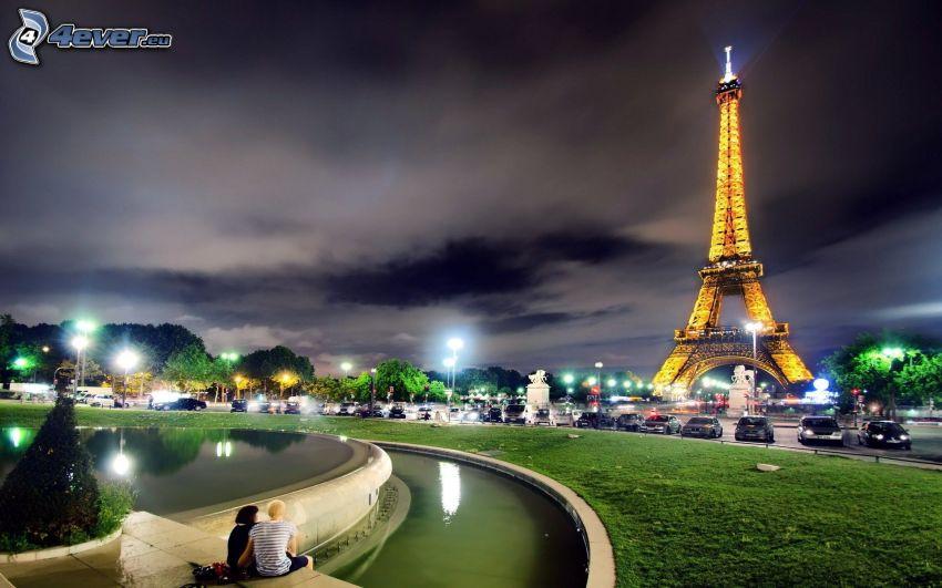 Torre Eiffel di notte, Parigi, città notturno