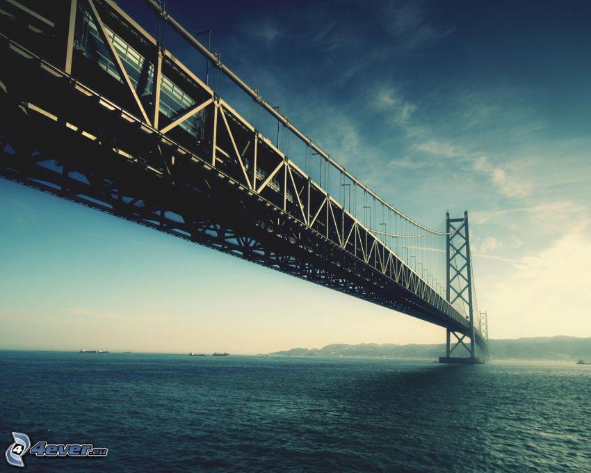 Akashi Kaikyo Bridge, il fiume