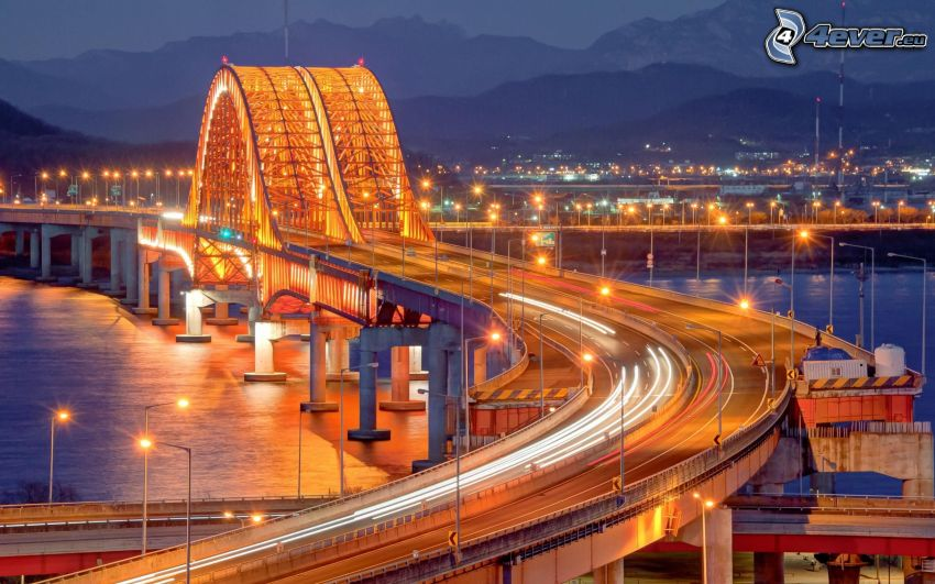 ponte dell'autostrada, ponte illuminato, traffico, autostrada notturna