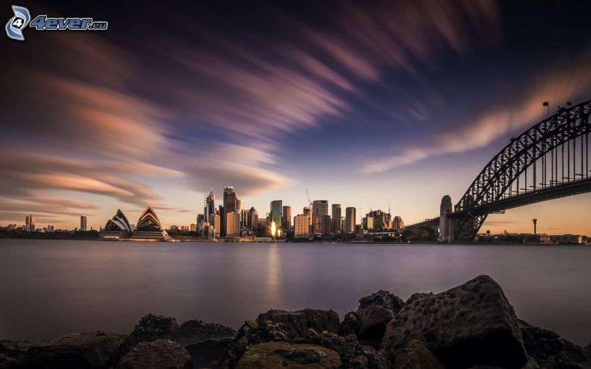 Sydney, Sydney Harbour Bridge, città di sera