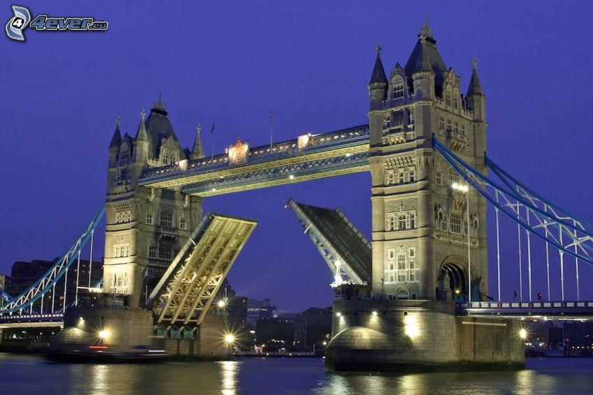 Tower Bridge, notte