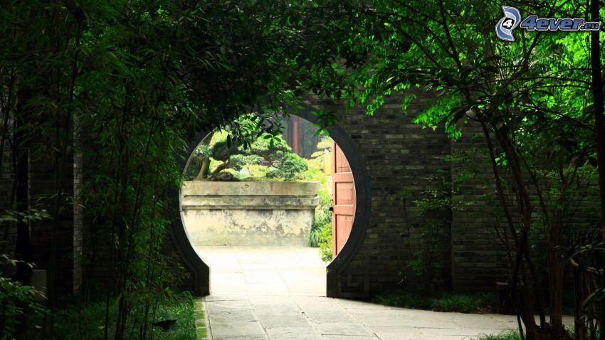 portone, giardino