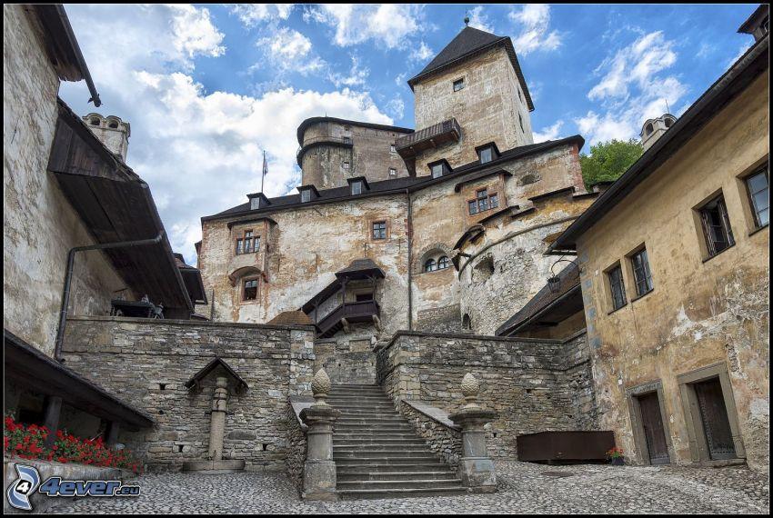 Castello di Orava, scale