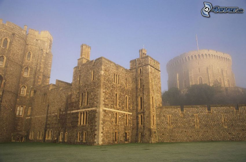 Castello di Windsor, nebbia