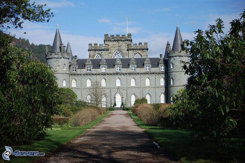 castello Inveraray, marciapiede, alberi