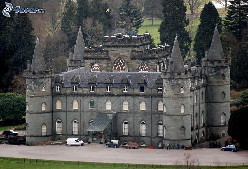 castello Inveraray, parcheggio, alberi