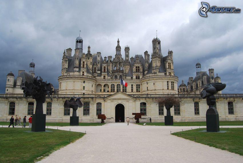 Chateau Chambord, statue
