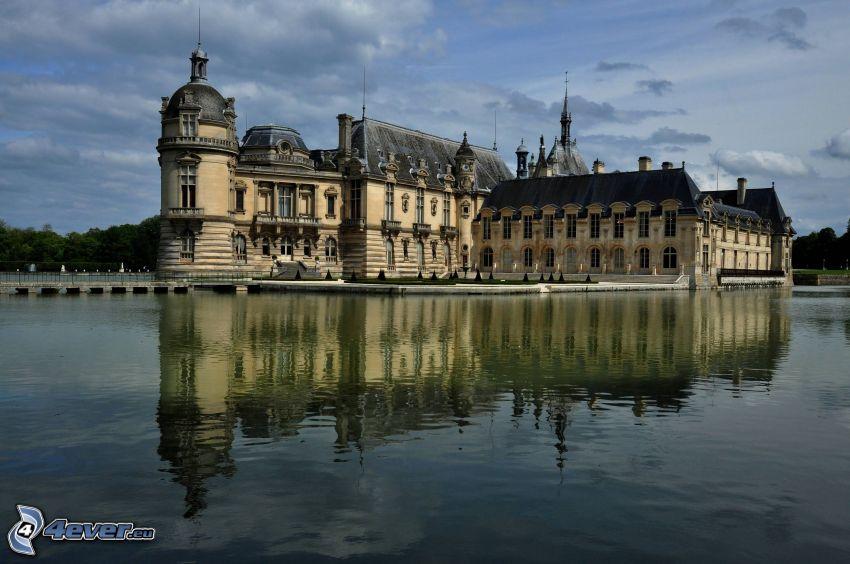 Château de Chantilly, lago, riflessione