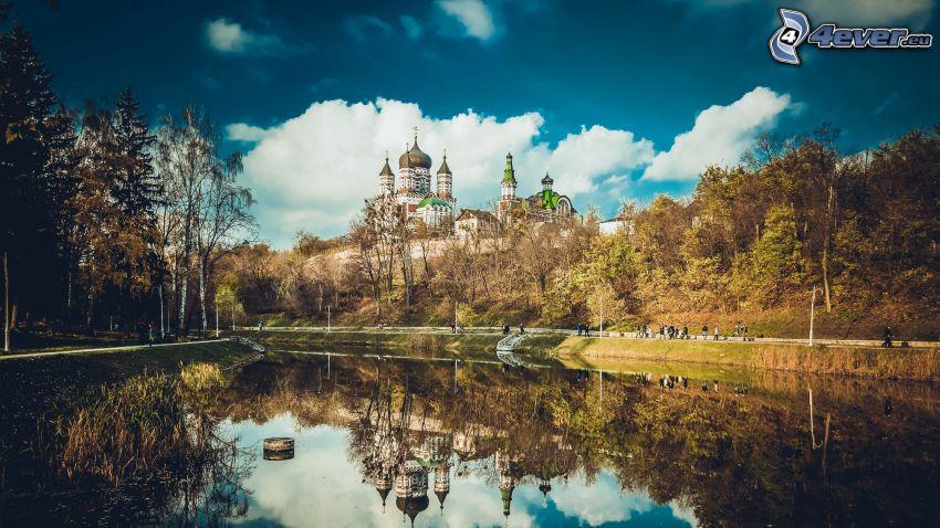 chiesa, il fiume