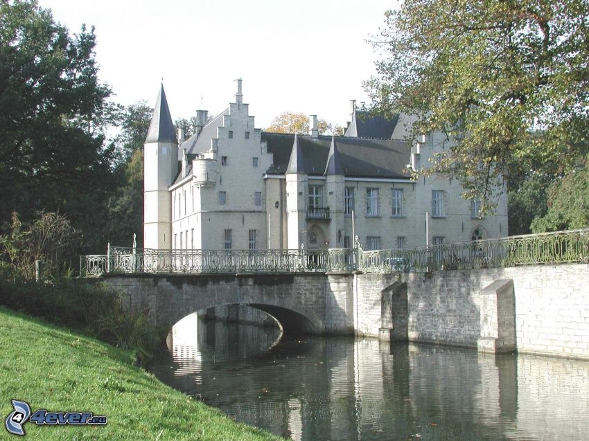 Cortewalle, il fiume, ponte di pietra