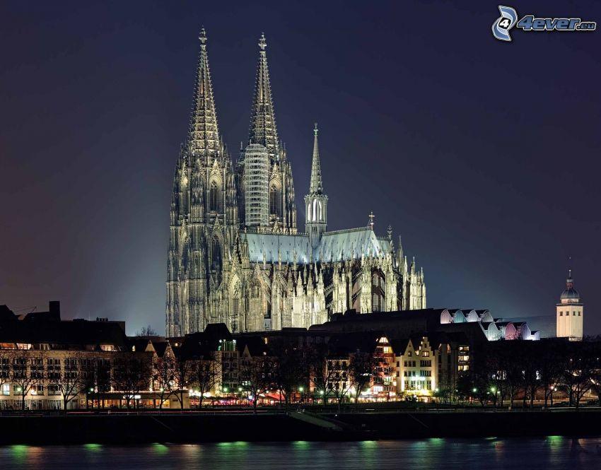 Duomo di Colonia, città notturno