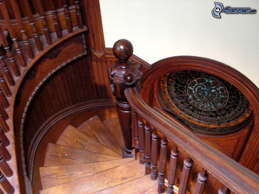 gradinata storica, scala a chiocciola, legno