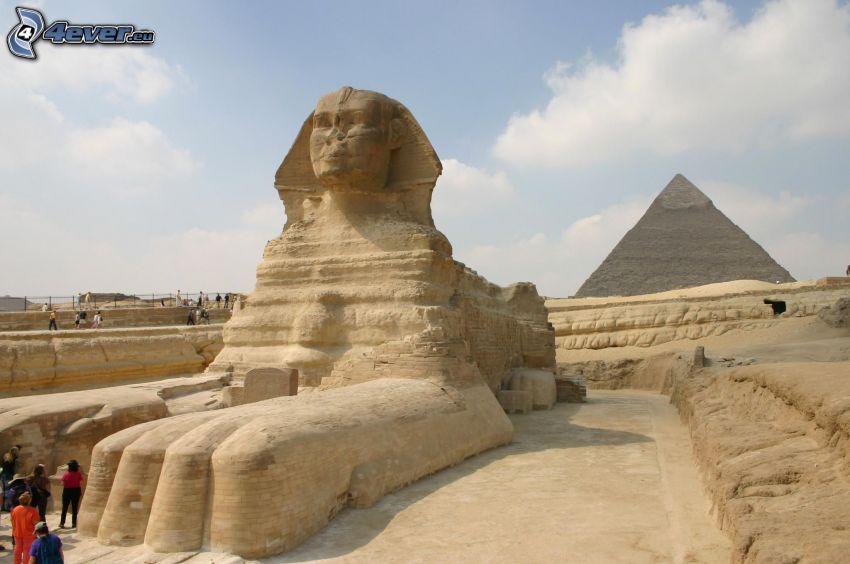 Sfinge, piramide