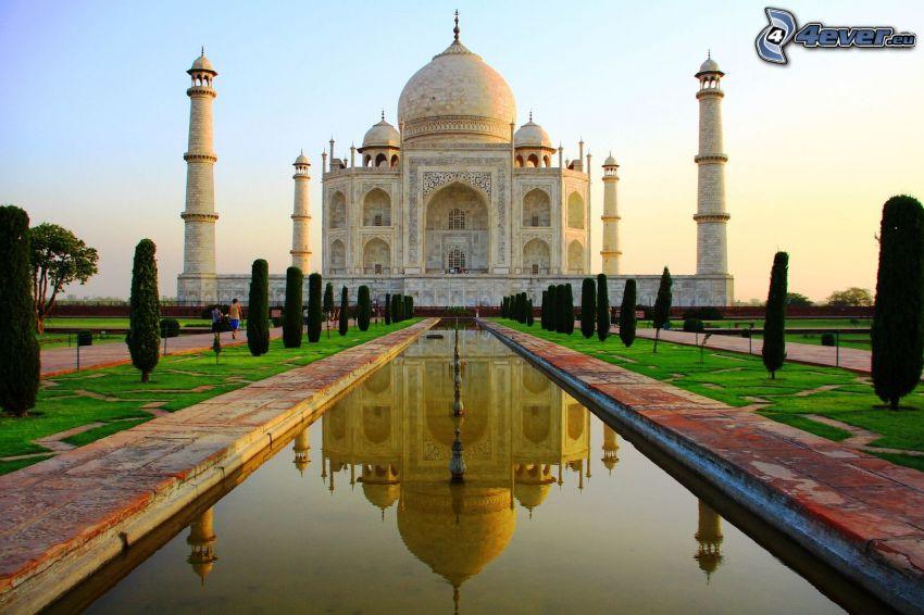 Taj Mahal, acqua, parco