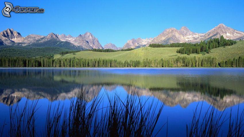 lago, colline rocciose