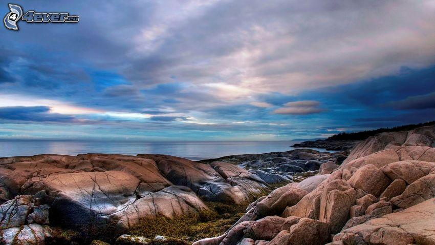 alto mare, costa rocciosa, nuvole