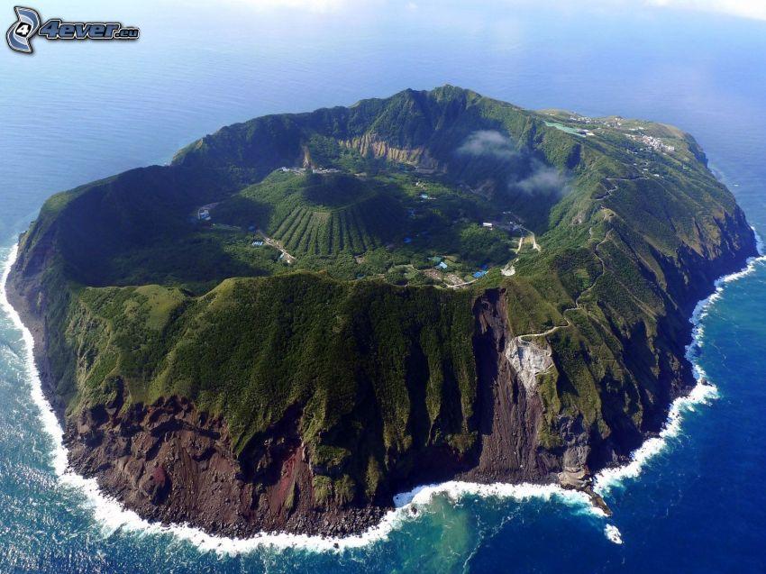 Aogashima, isola vulcanica, vista aerea