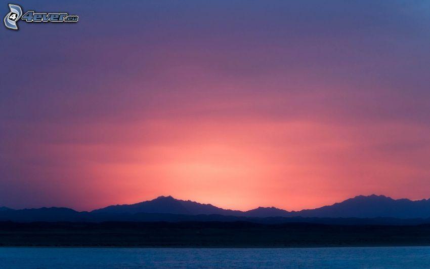 cielo di sera, montagna, mare, cielo viola