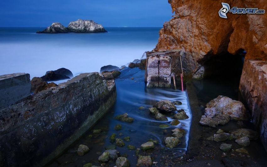 costa rocciosa, isola