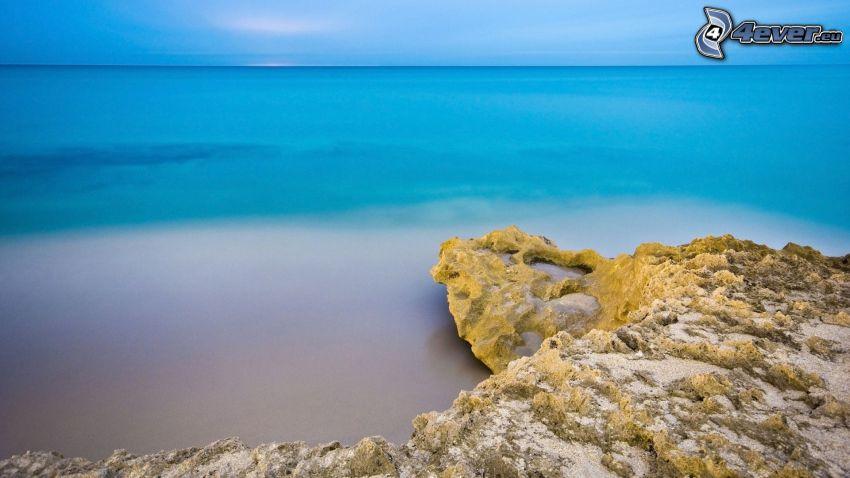 costa rocciosa, mare
