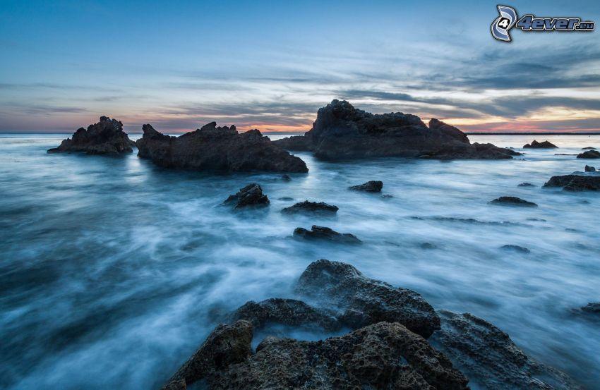 mare, costa rocciosa