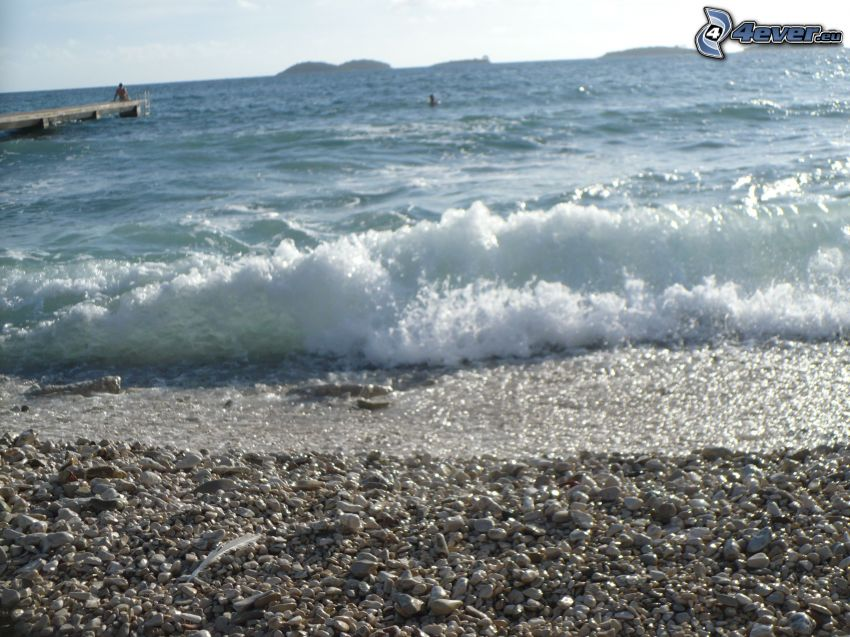 onde sulla costa, spiaggia di rocce, mare
