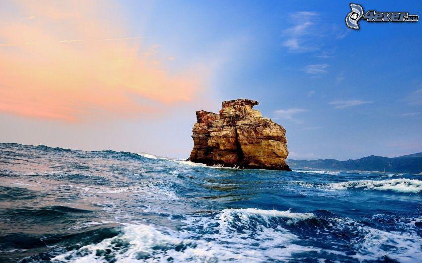 roccia nel mare, mare burrascoso, onde