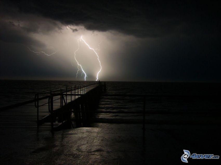 tempesta, fulmini, molo di legno, mare
